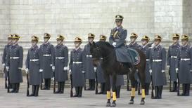Россия: Последний развод пеших и конных караулов Президентского полка состоялся в Кремле