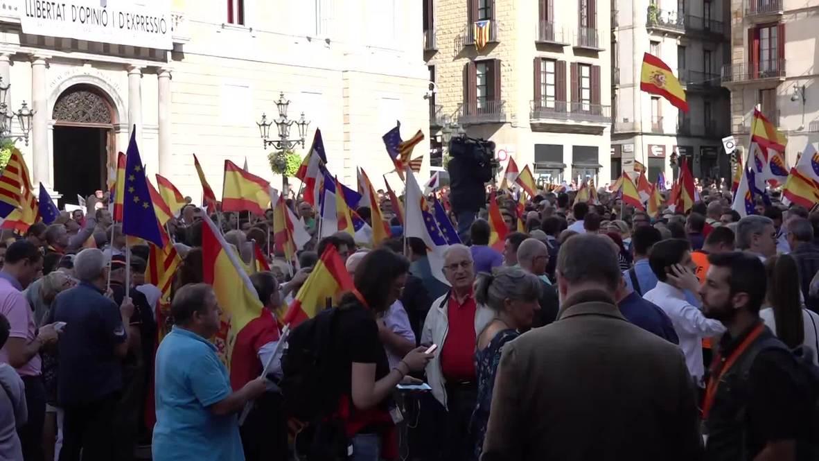 España: Concentración antiindependentista frente a la sede del Gobierno Catalán