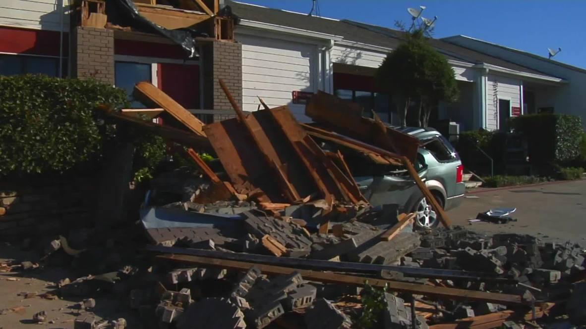 USA: Dallas left reeling from devastating tornado