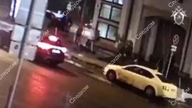 Россия: Шестимесячную девочку нашли на улице в центре Москвы