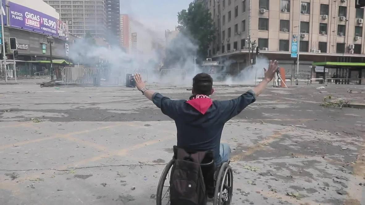 Chile: Violent clashes erupt as anti-govt protests continue in Santiago