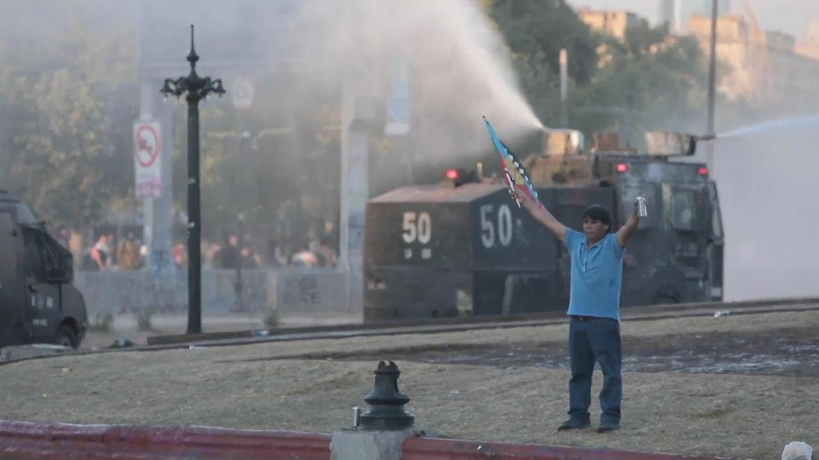 Chile: Una nueva jornada de protestas en Chile termina en disturbios y enfrentamientos con los carabineros