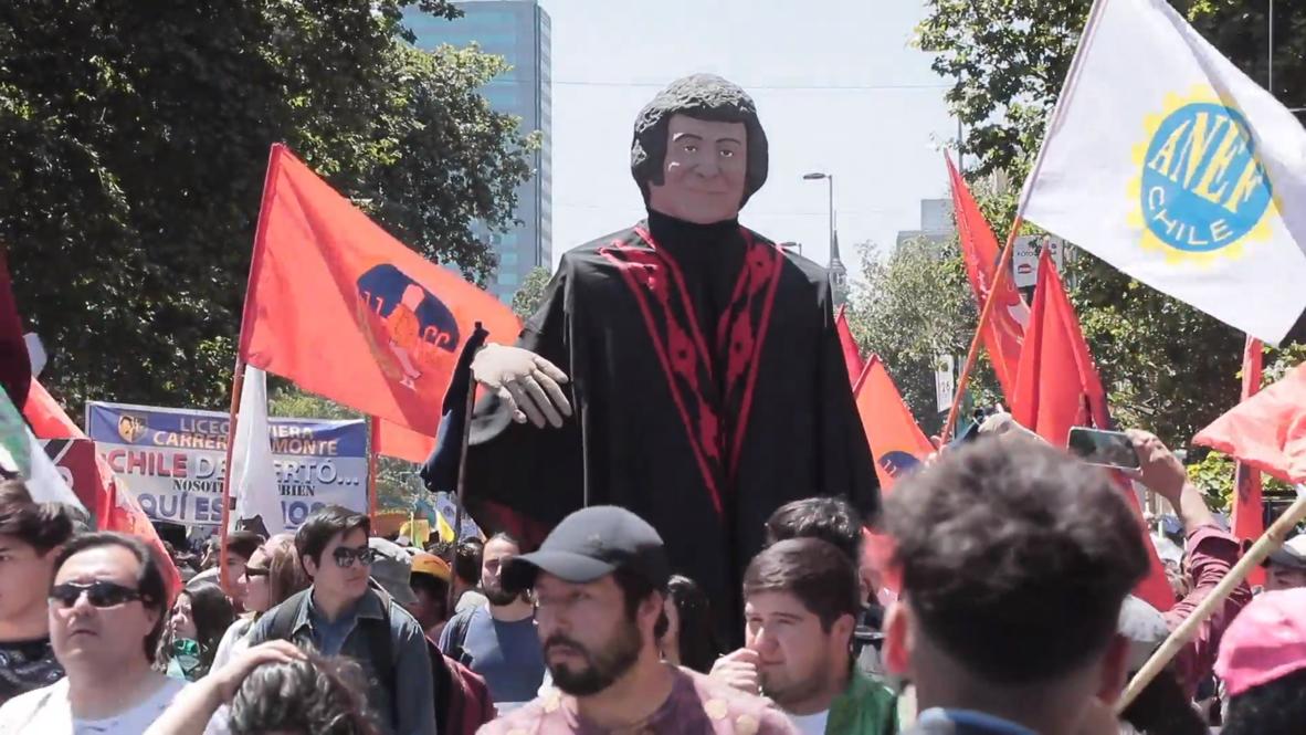 Chile: Manifestantes recuerdan a Víctor Jara mientras protestan contra el Gobierno