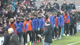 Alemania: Miles de hinchas del Hertha llegan al entrenamiento para apoyar a su equipo antes del derbi de Berlín