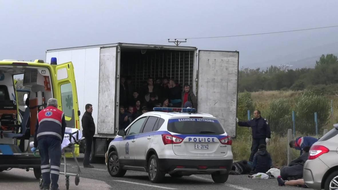 اليونان: الشرطة تعثر على 41 مهاجرا أحياء في شاحنة تبريد