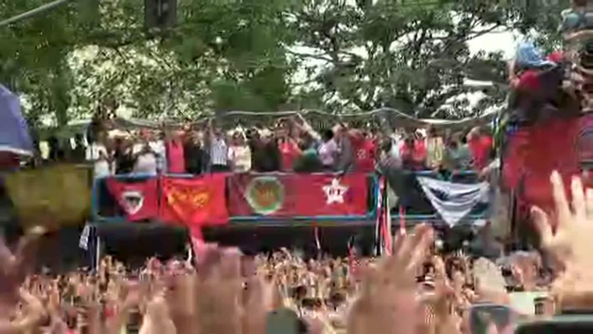 """Brasil: """"Dormí con la conciencia tranquila"""" - Lula habla a sus seguidores tras salir de prisión"""