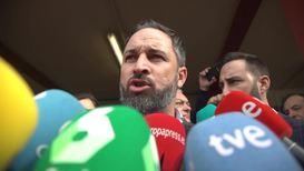 España: El líder de Vox Santiago Abascal acude a votar en las elecciones generales