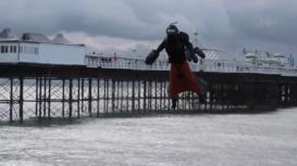 Reino Unido: El inventor Richard Browning bate el récord Guinness de velocidad con un traje jet