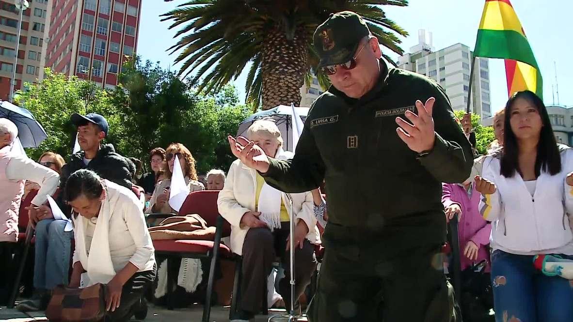 Bolivia: Policía boliviana oficia una misa por la paz