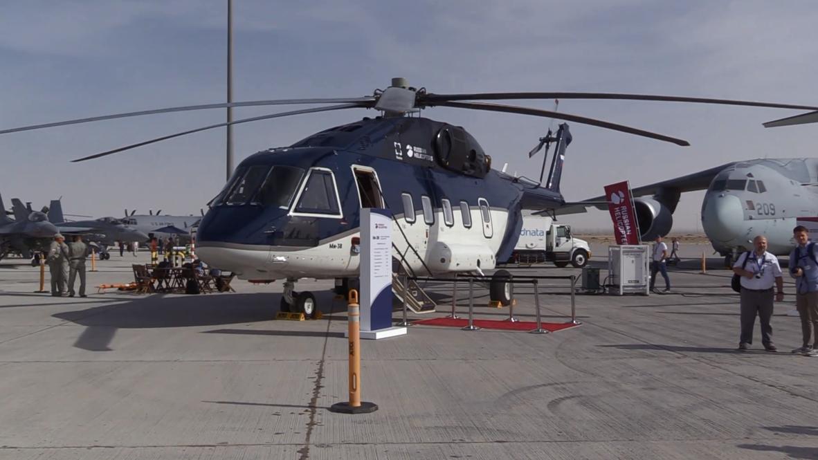 ОАЭ: Мантуров представил российские вертолёты на выставке в Дубае
