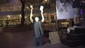Hong Kong: Manifestantes realizan una vigilia mientras continúan las protestas antigubernamentales