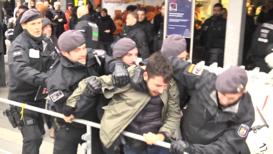 Alemania: Policía contiene enfrentamientos durante manifestación de Pegida