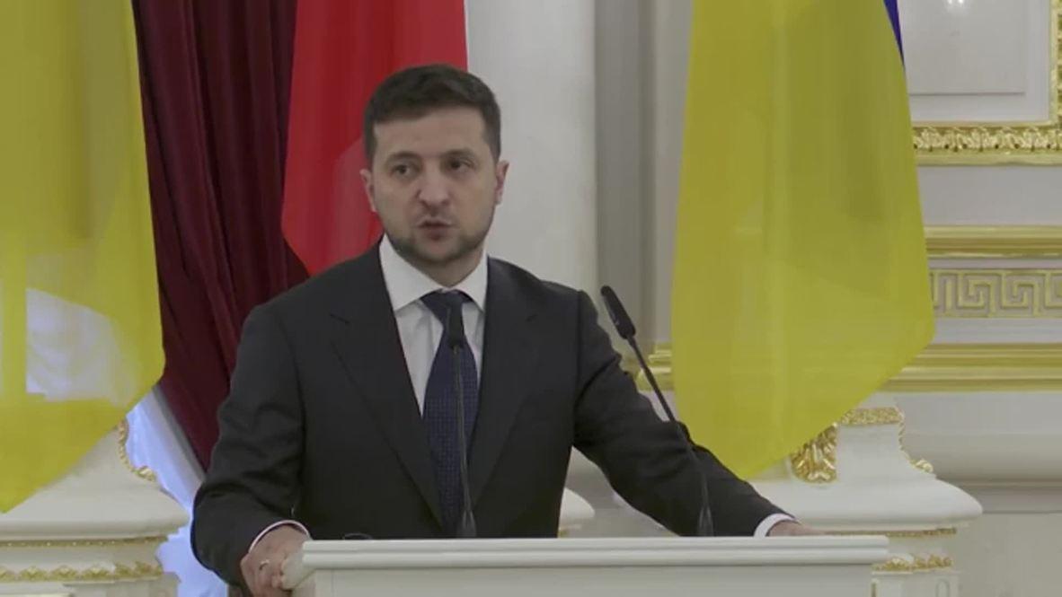 """Украина: """"Только дипломатическим путем""""– Зеленский о решении ситуации на Донбассе"""