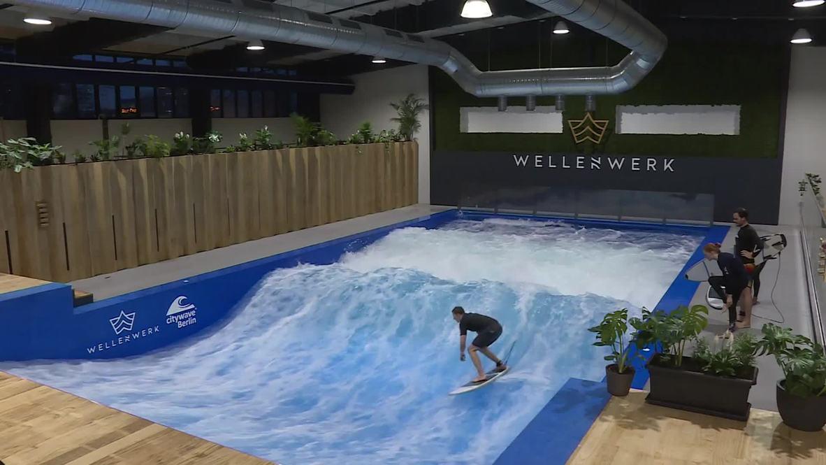 Лови волну! Самая высокая крытая волна для серфинга в мире появилась в Берлине