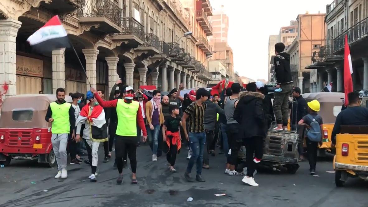 العراق: تواصل الاحتجاجات في أقدم شوارع بغداد واشتباكات مع قوات الأمن