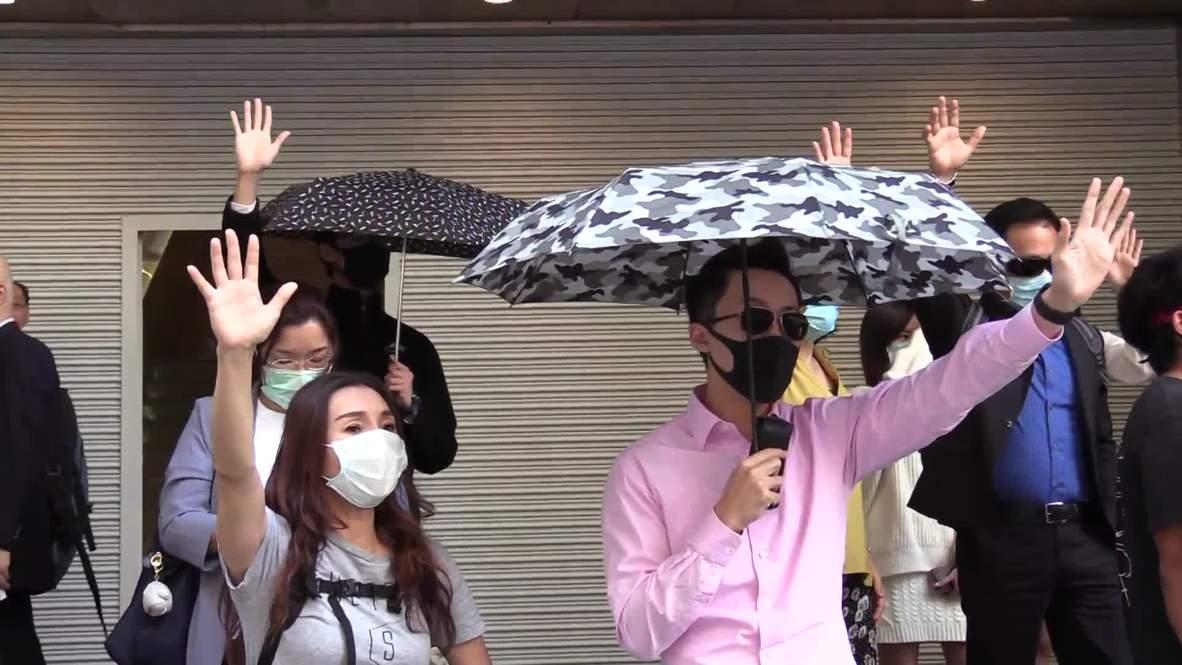 Hong Kong: Legisladora prochina escoltada tras abucheos de manifestantes opositores
