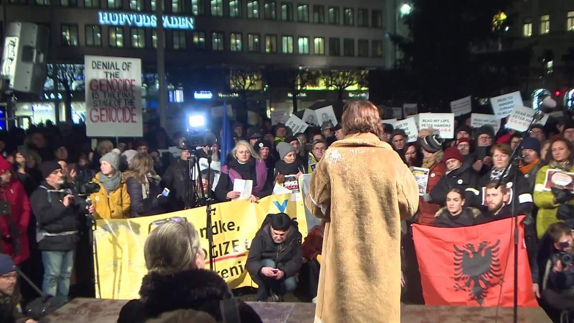 Sweden: Hundreds protest Handke's Nobel prize due to his Yugoslav war stance