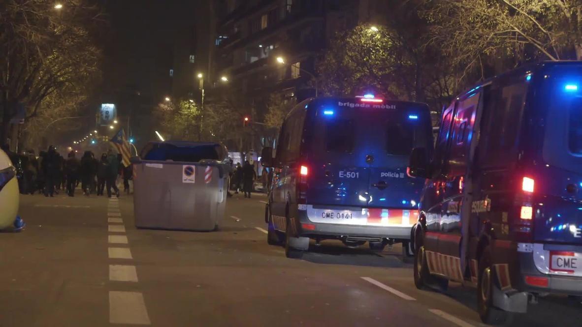 España: Manifestación independentista termina en enfrentamientos con la policía