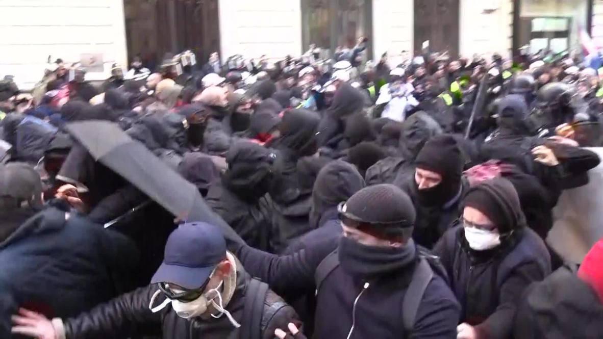 Francia: Al menos  32 arrestos tras enfrentamientos con la policía en la 62 semana de protestas de los 'chalecos amarillos'