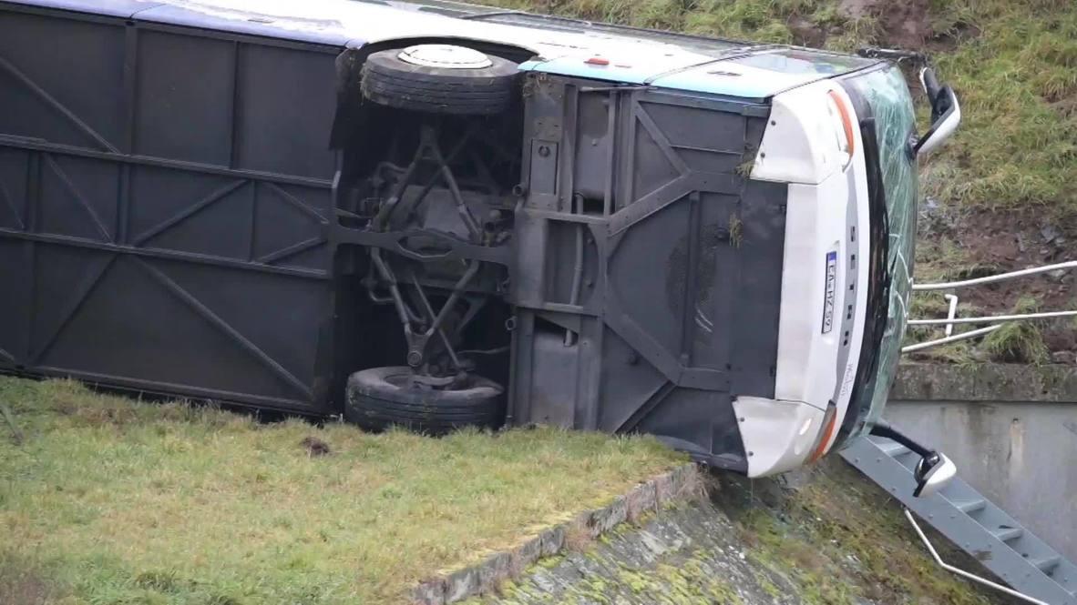 Alemania: 2 niños muertos y 20 heridos en un accidente de autobús escolar en Turingia