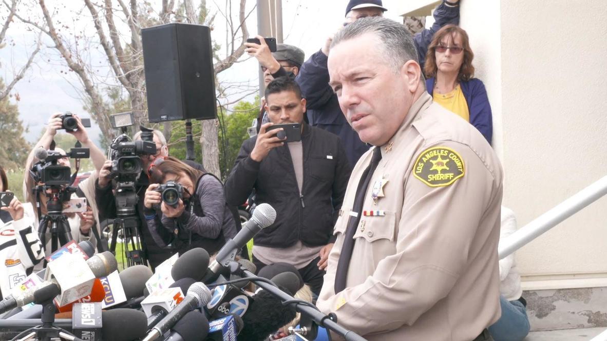 США: Шериф округа Лос-Анджелес сообщил, что на борту вертолета Коби Брайанта находились 9 человек