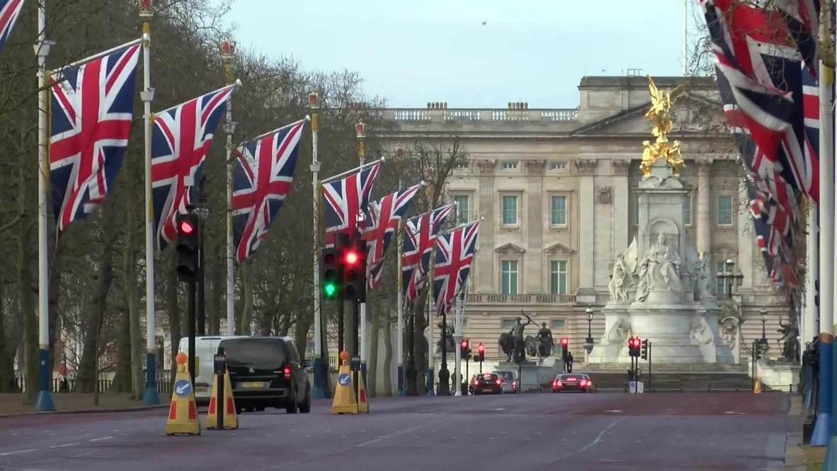 UK: Union Jacks fly outside Buckingham Palace on Brexit morning