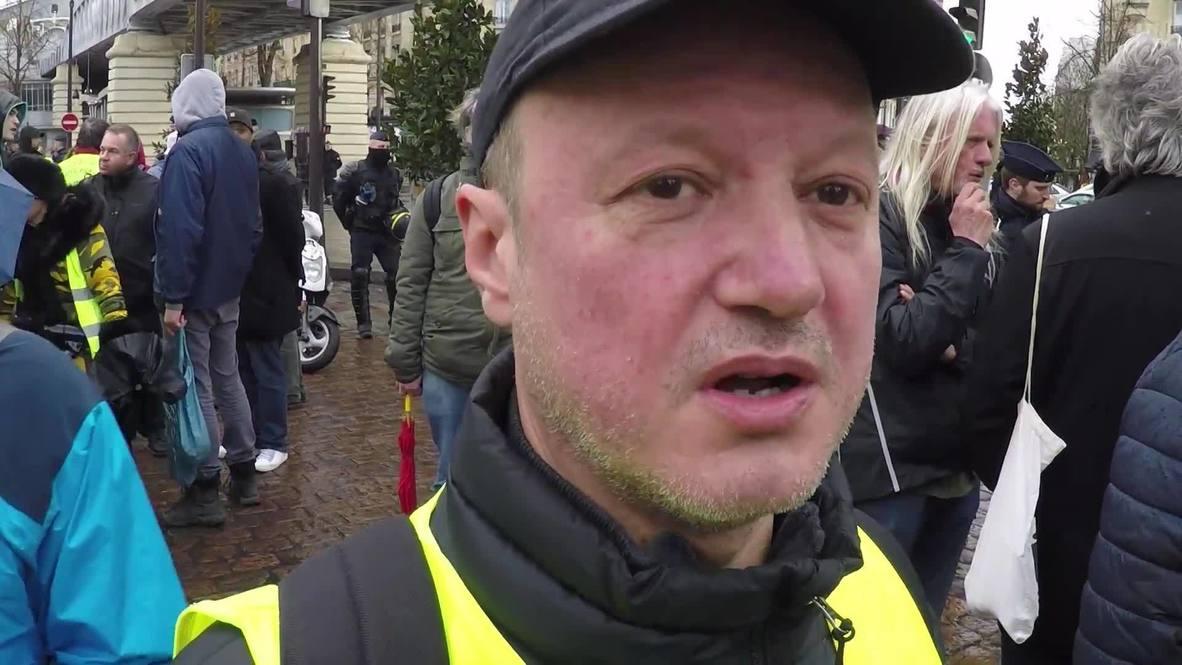 """Francia: Los """"chalecos amarillos"""" vuelven a protestar contra el Gobierno en París"""