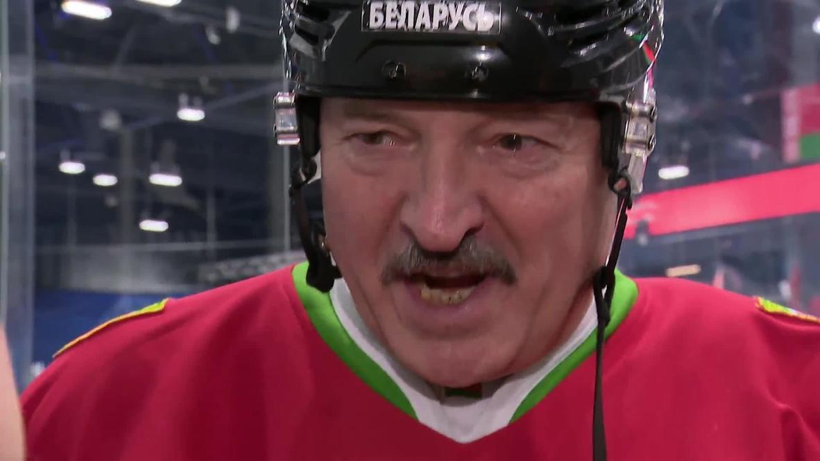 """""""Лучше умереть стоя, чем жить на коленях"""". В разгар коронавируса Лукашенко вышел на лед"""