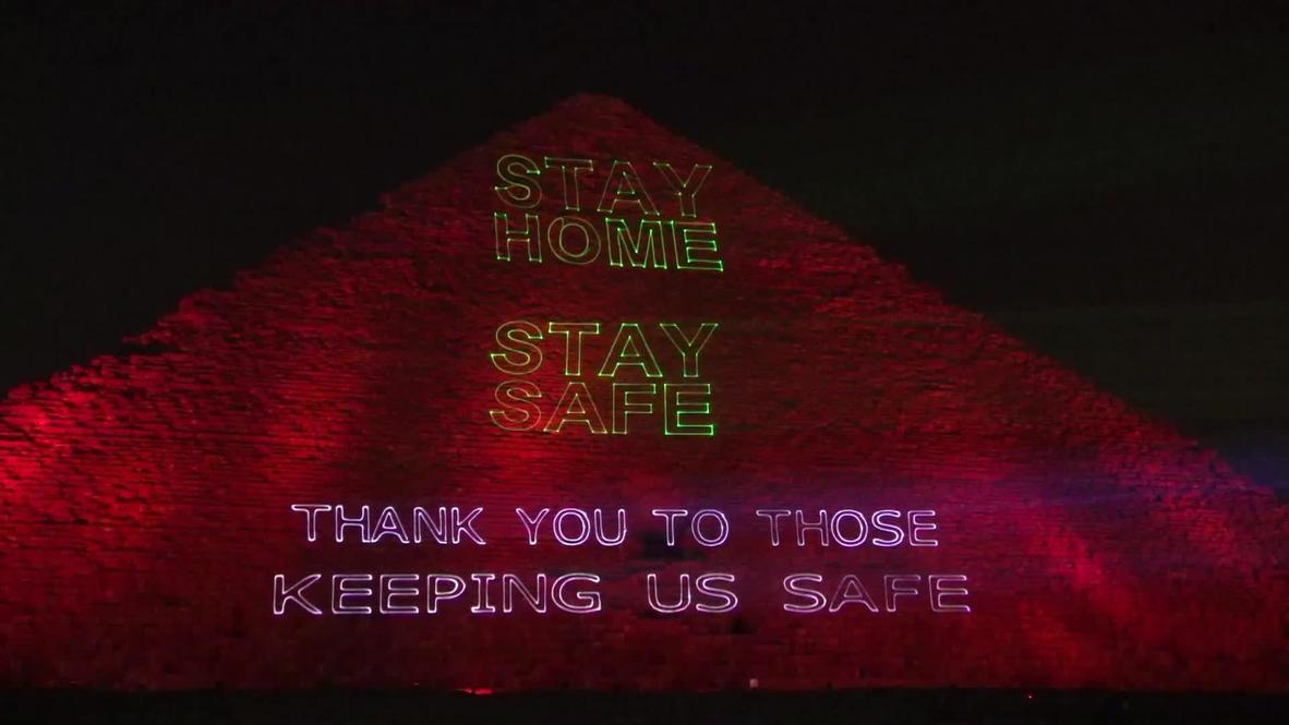 Egipto: Iluminan la gran pirámide de Guiza con mensajes de solidaridad en medio de la pandemia de coronavirus