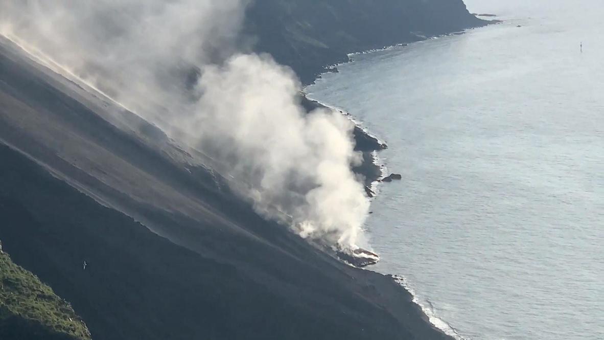 إيطاليا: بركان سترومبولي يبدأ ثورانه من جديد