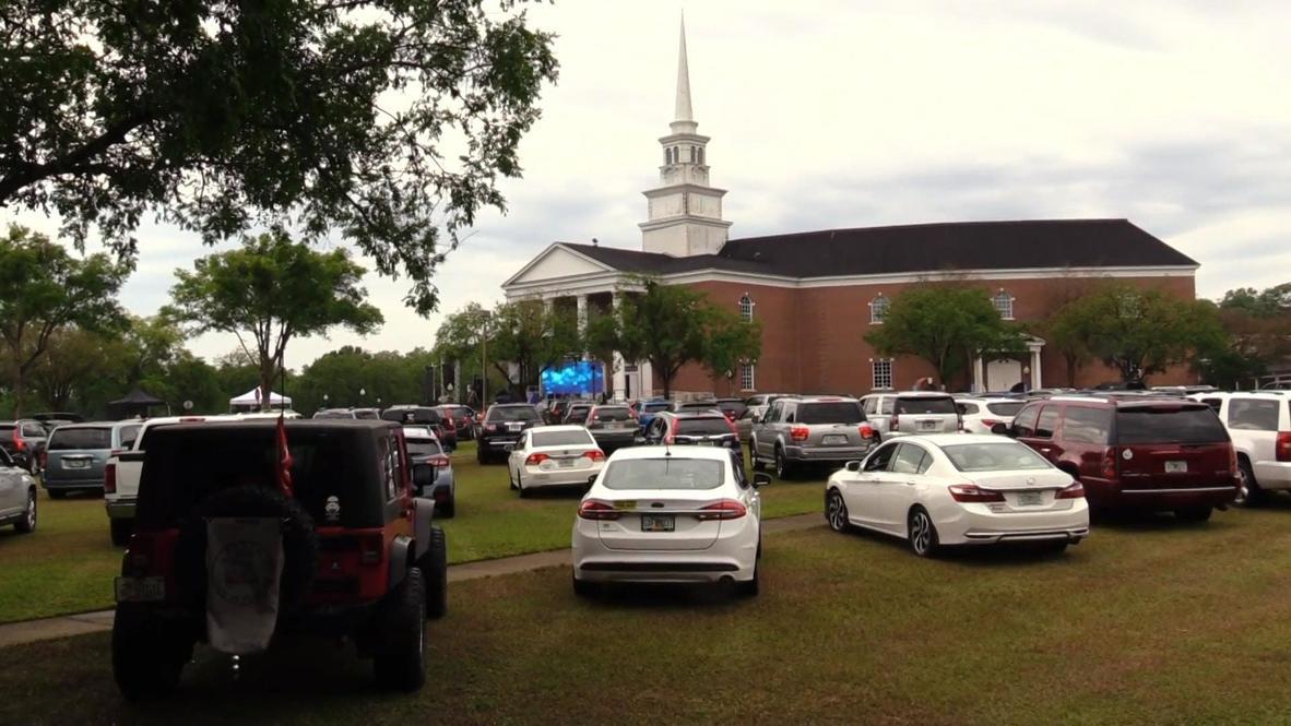 Honk Amen! Florida church resorts to drive-up Sunday worship amid COVID-19 pandemic