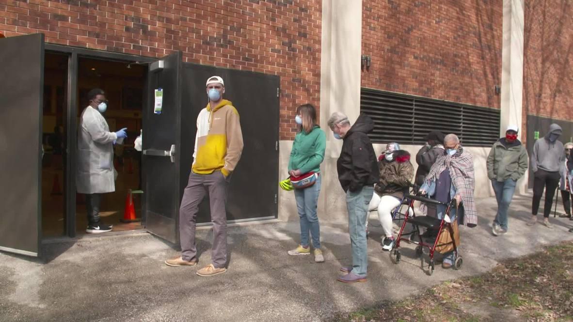 USA: Locals queue to vote in Wisconsin primaries despite coronavirus pandemic
