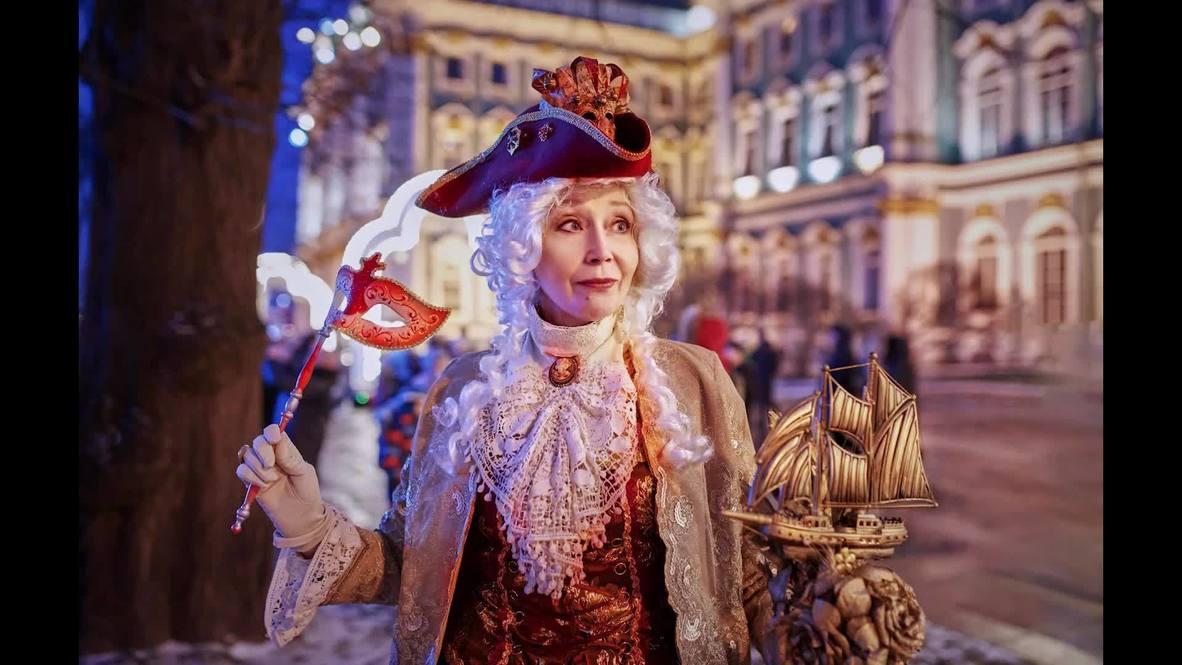Во всех ты, Душенька, нарядах хороша. Пенсионерка из Петербурга создает сказочные образы своими руками