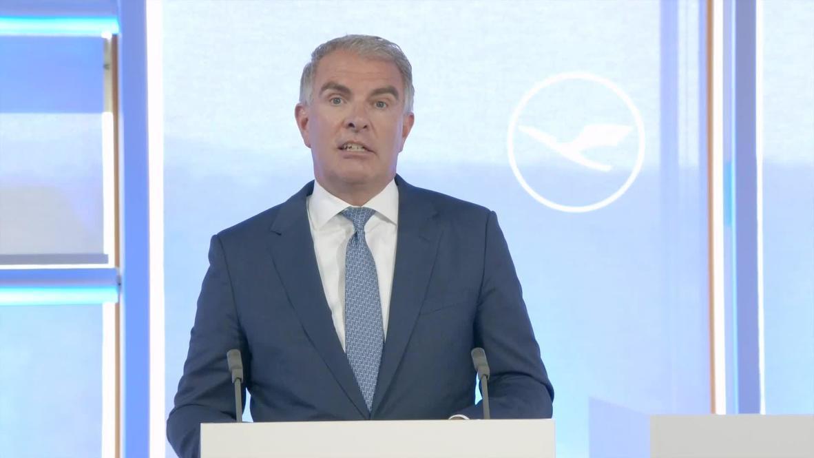 ألمانيا: المدير التنفيذي لمجموعة لوفتهانزا يقر بخسارة الشركة مليون يورو كل ساعة