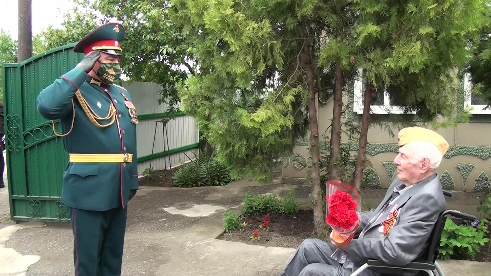 Поздравление ветерана на улице соммера калининград