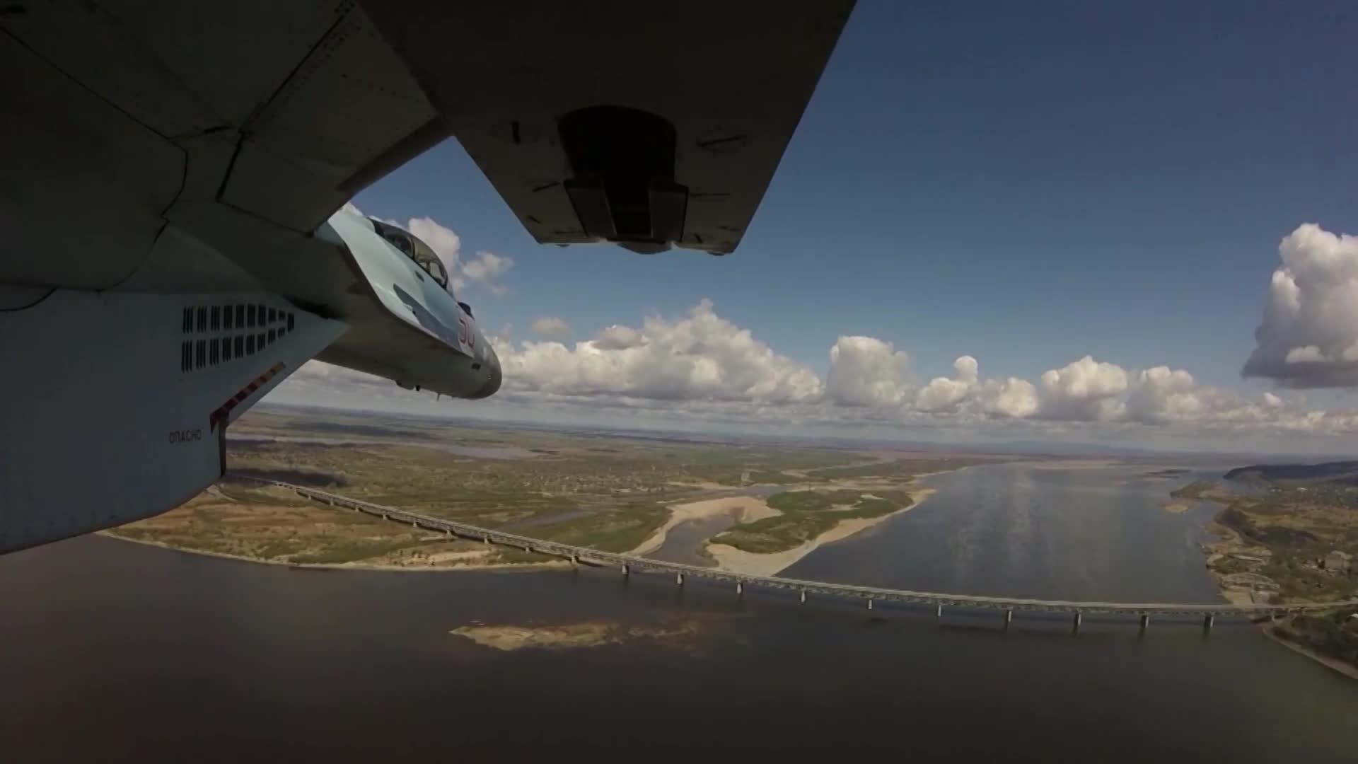 Обои самолеты, Облака, истребители, учения, побережье. Авиация foto 11