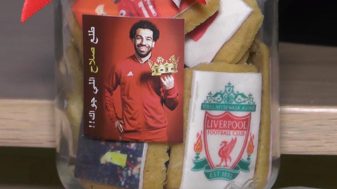 Дайте два! Пекарня в Каире выпустила печенье с футболистом Мохаммедом Салахом