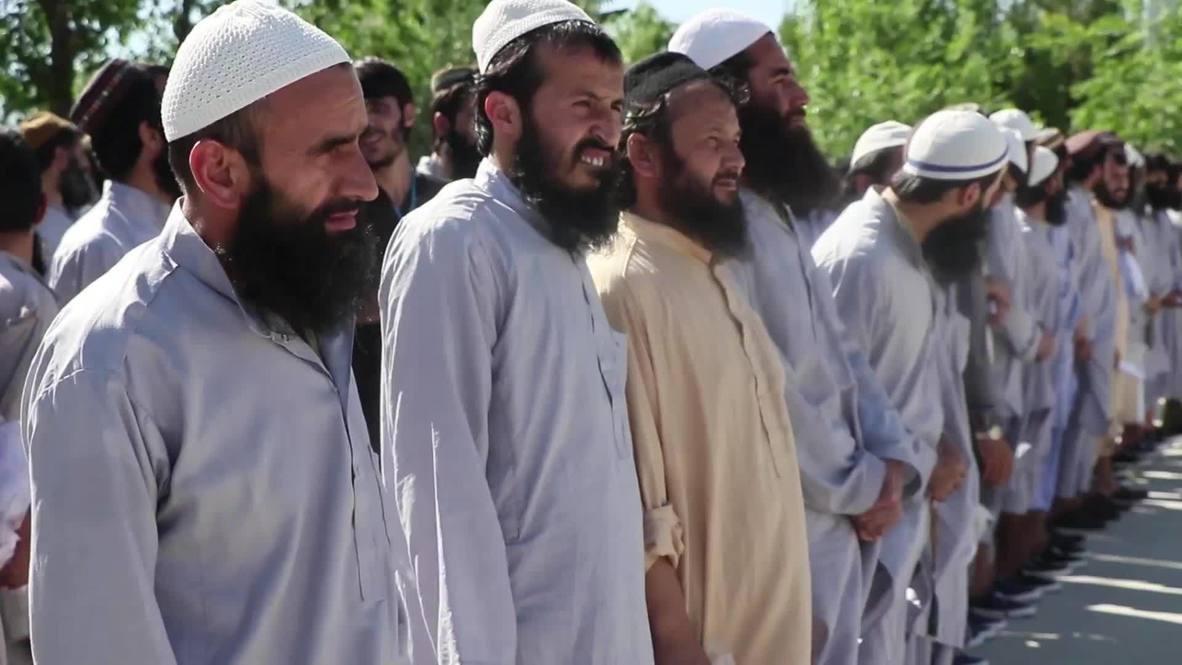 أفغانستان: الإفراج عن المئات من سجناء طالبان وسط استمرار وقف إطلاق النار