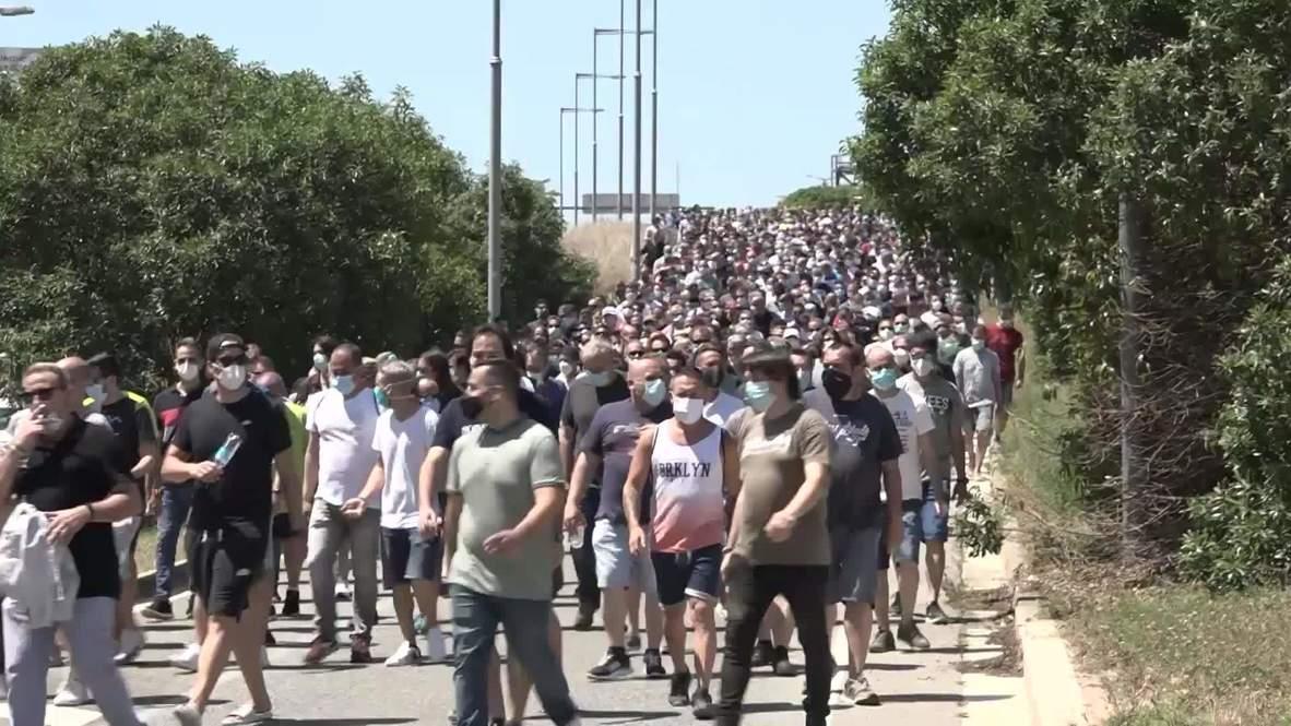 España: Trabajadores de Nissan muestran su preocupación tras el anuncio del cierre de las fábricas en Cataluña