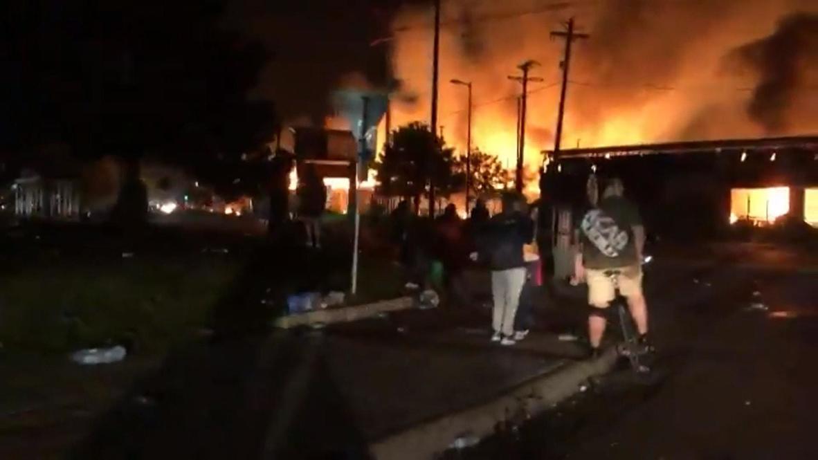 EE.UU.: Mineápolis en llamas mientras continúan las protestas tras el asesinato de George Floyd