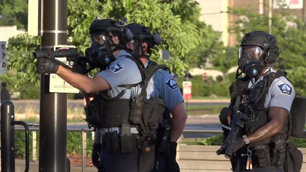 EE.UU.: Policía dispara gases lacrimógenos en una protesta por la muerte de George Floyd en Mineápolis