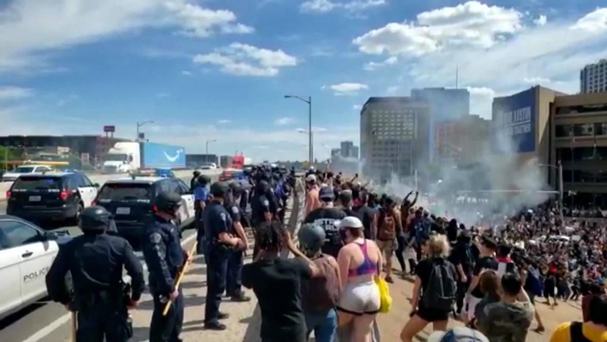 EE.UU.: Policía utiliza gas lacrimógeno y balas de goma en protestas por el asesinato de George Floyd en Austin