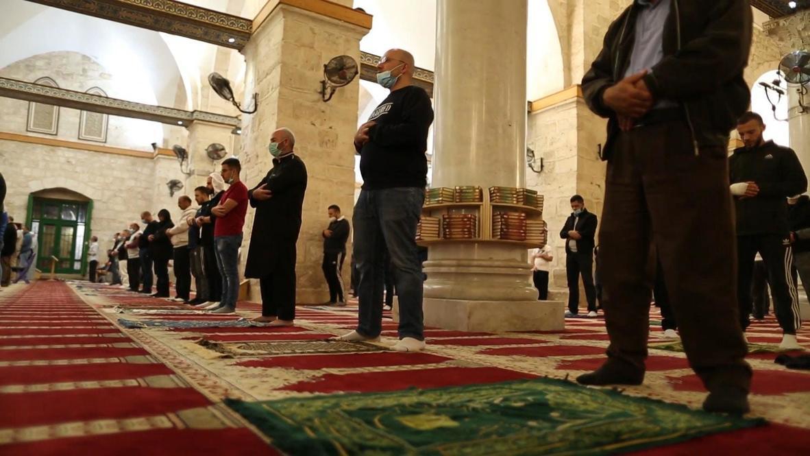 القدس الشرقية: المصلّون يتوافدون إلى المسجد الأقصى بعد السماح باستئناف الصلاة الجماعية