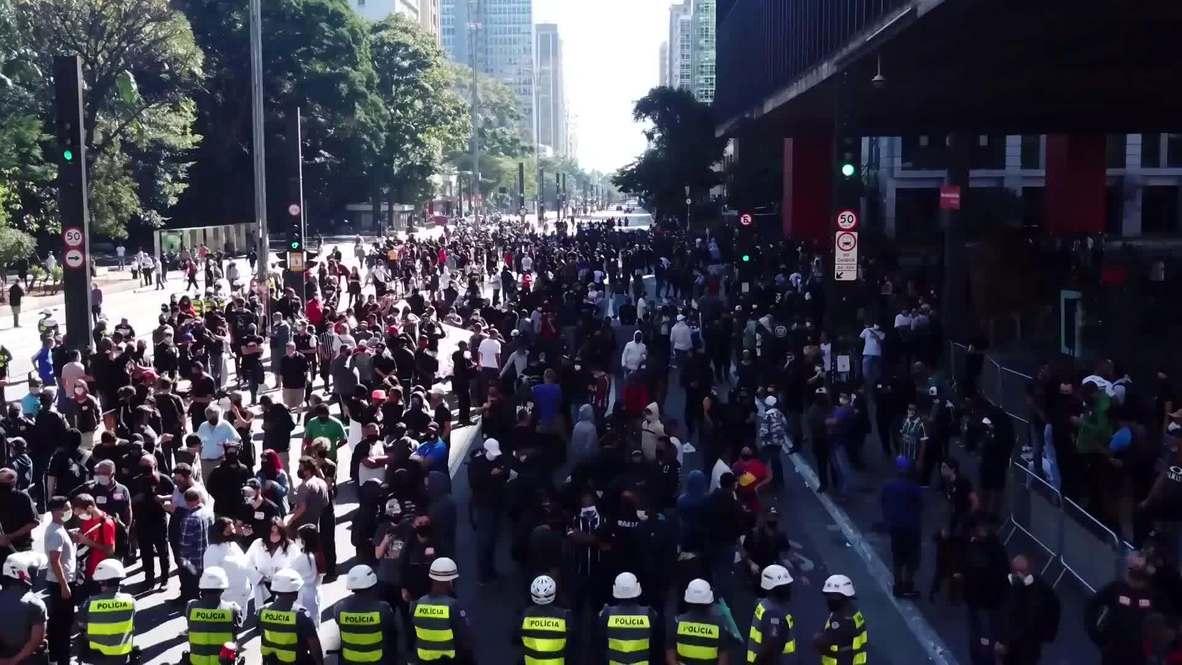 Brasil: Policías dispersan una protesta contra Bolsonaro en Sao Paulo