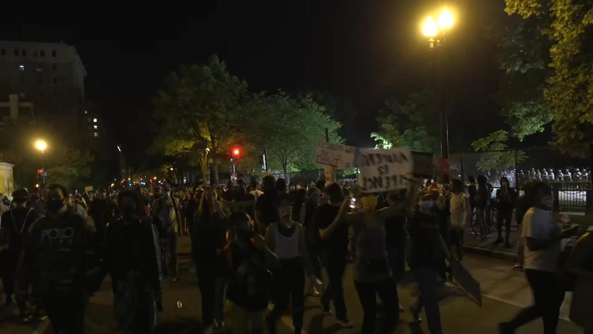 """الولايات المتحدة الأمريكية: مركبات عسكرية في الشوارع مع استمرار احتجاجات """"فلويد"""" في واشنطن"""