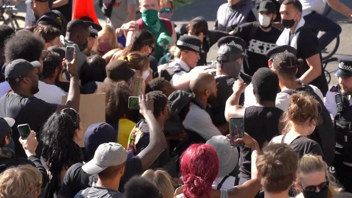 Reino Unido: Enfrentamientos entre policía y manifestantes en protesta multitudinaria contra el racismo en Londres