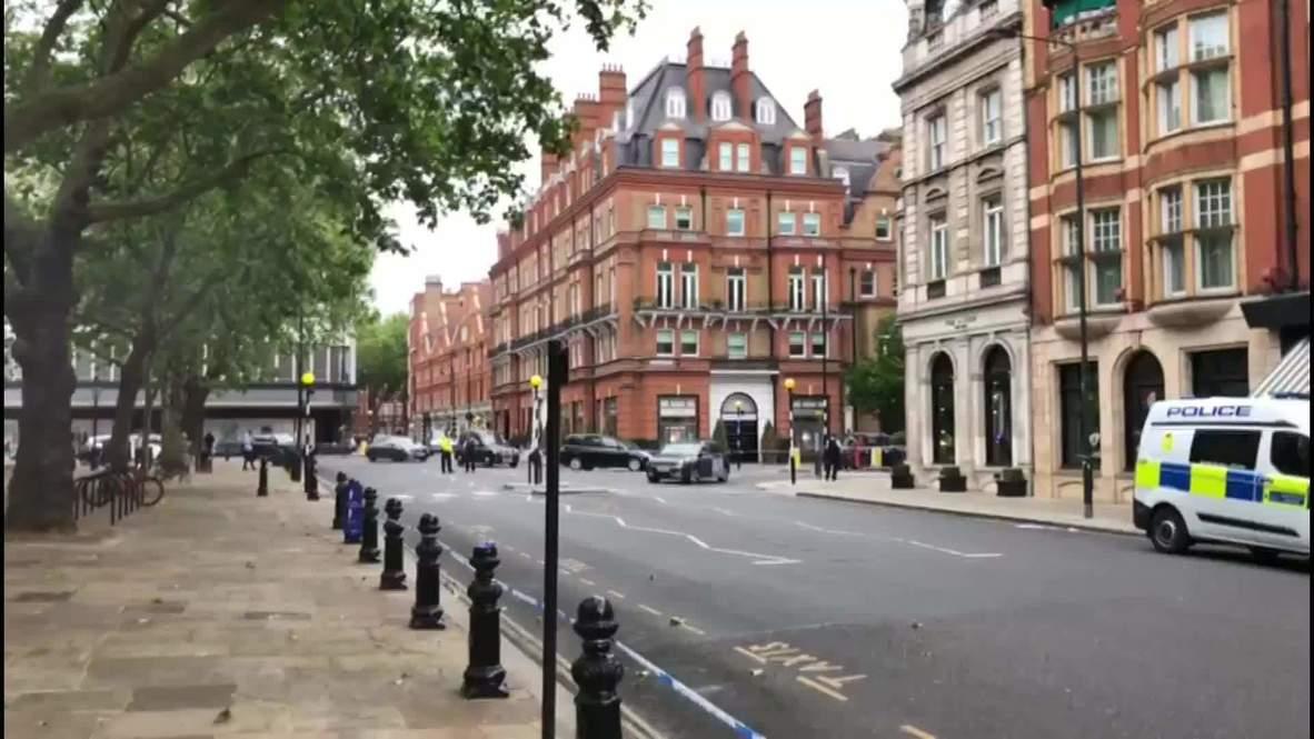 المملكة المتحدة: انتشار الشرطة بعد أن صدمت سيارة شخصين وسط لندن