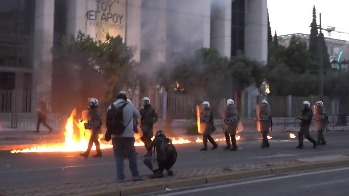 Греция: Марш памяти Джорджа Флойда в Афинах перерос в столкновения с полицией
