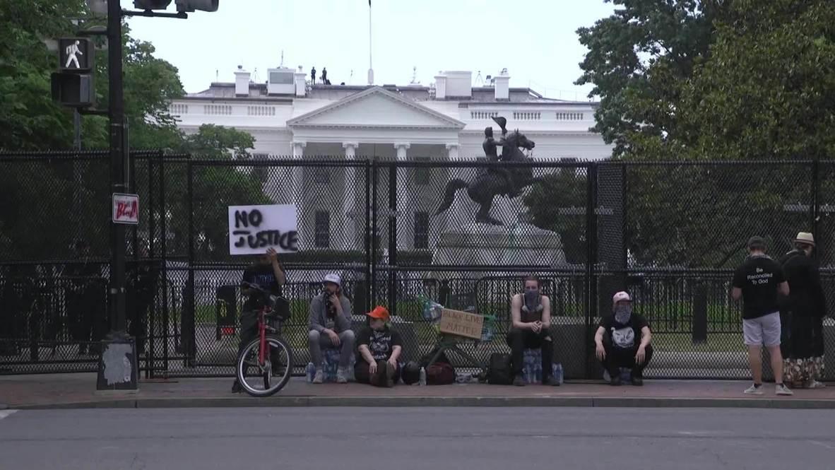 США: Дополнительное заграждение установлено вокруг Белого дома в связи с протестами из-за смерти Джорджа Флойда