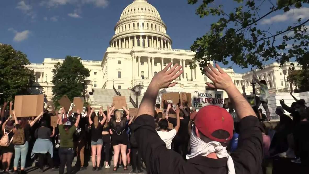 США: Тысячи активистов движения Black lives matter вышли на протест в Вашингтоне